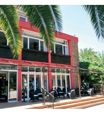 Hôtel Club - Carqueiranne
